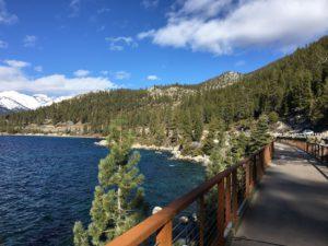 タホ湖東湖岸トレイルでウオーキング@ Tahoe East Shore Trail